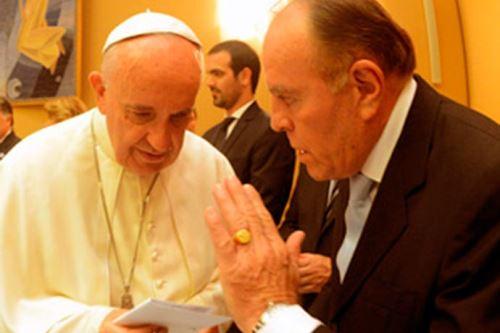 El Papa y Omar Suárez